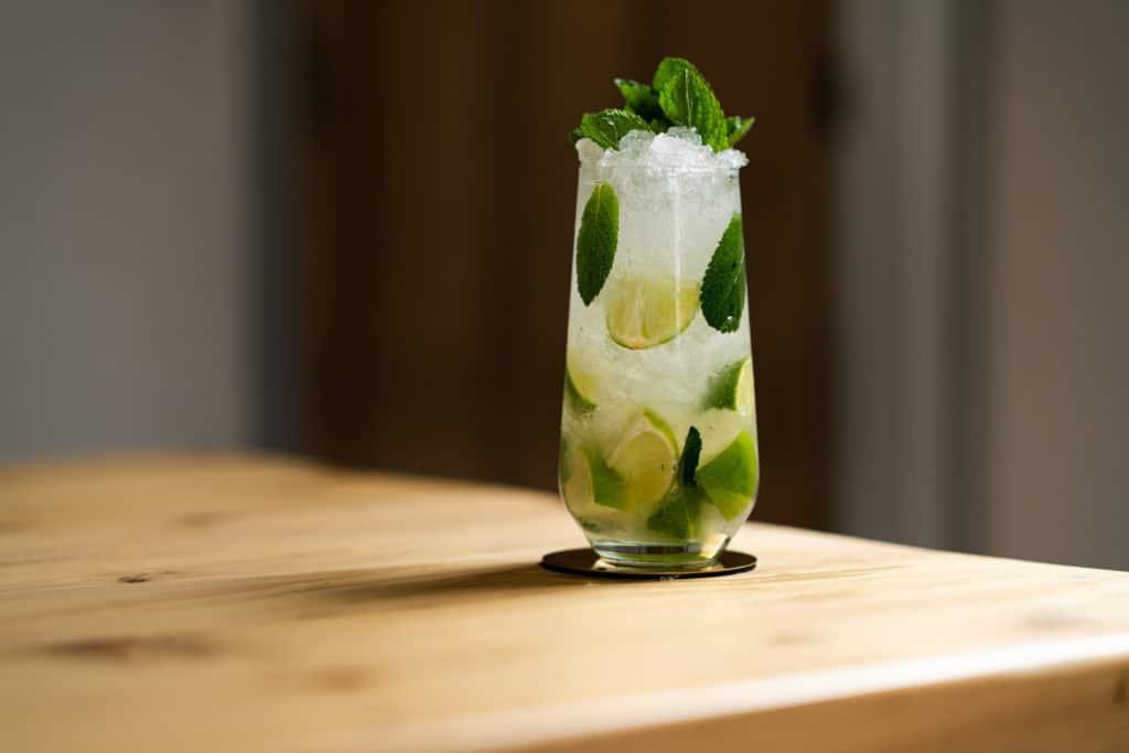 apple-and-elderflower-collins-recipe